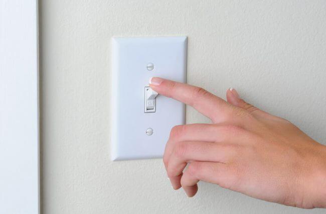 6 truques de iluminação para ampliar o espaço sem derrubar paredes