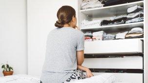 Arrumar o guarda roupa pequeno