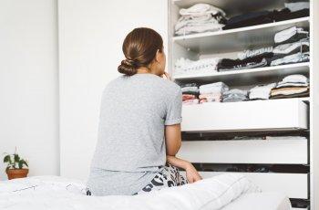 12 passos para organizar o guarda-roupa rapidamente