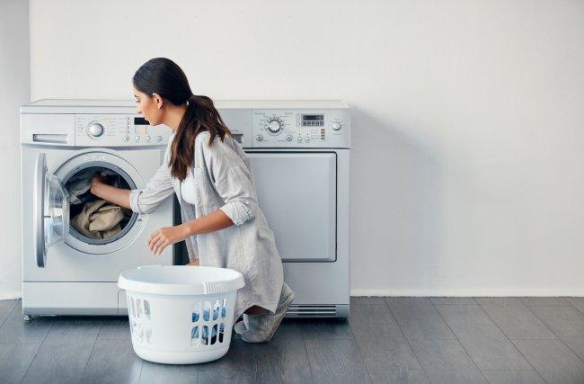 Passo a passo: lave roupa na máquina da maneira correta