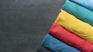 como dobrar roupas