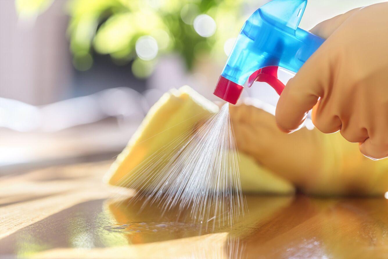 Produto de limpeza multiuso